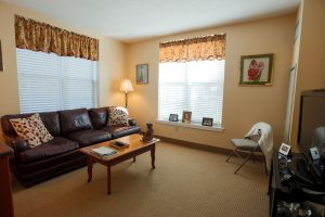 Charter Senior Living of Towson Image Gallery - Apartment Living Room